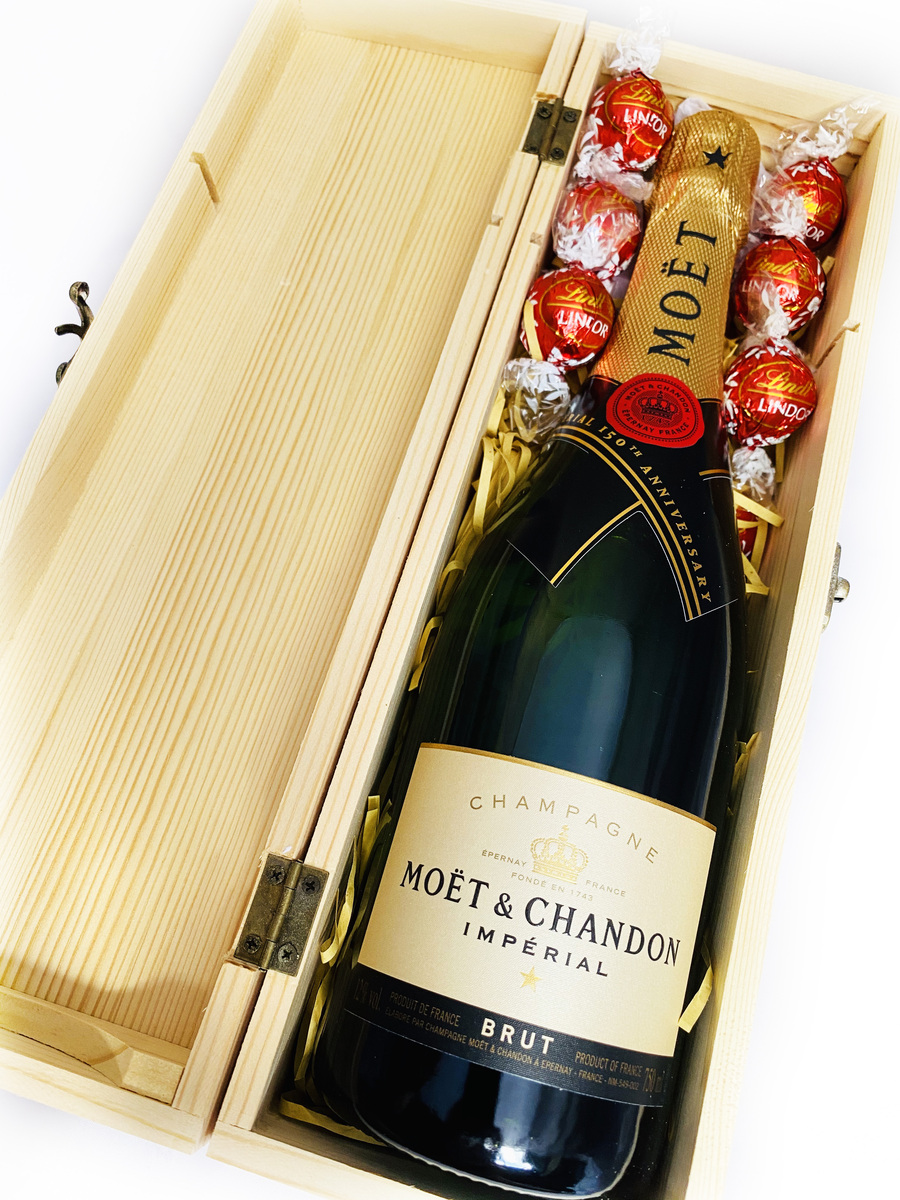Moet and Chocolates Gift Box| Gift Delivery Australia product photo